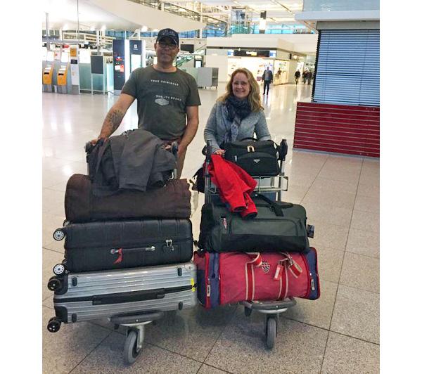 März 2019 – Das Ehepaar Jackson am Airport Nürnberg, kurz vor Ihrem Abflug nach Nepal.