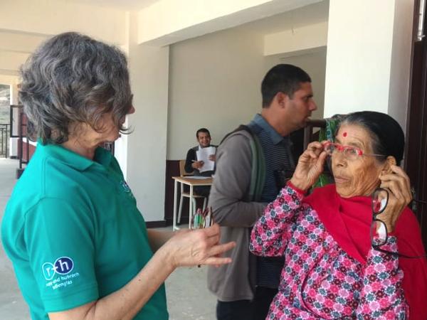 900 Brillen aus Deutschland für nepalesische Menschen