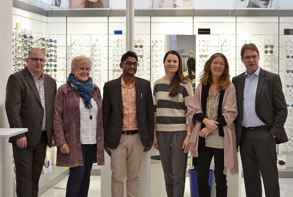 Ein herzlicher Empfang für Tinku Mukherjee im Uvex Optik Shop in Fürth